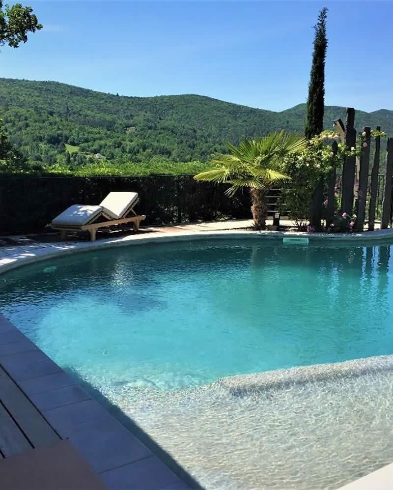Les-Jardins-en-Cascades-Paysagiste-Drome-Piscine-sur-terrasse-suspendue-realisations-Accueil