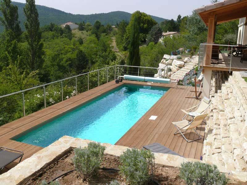 Accueil-Slider-realisations-1-Les-Jardins-en-Cascades-Paysagiste-Drome-Piscine-sur-terrasse-suspendue