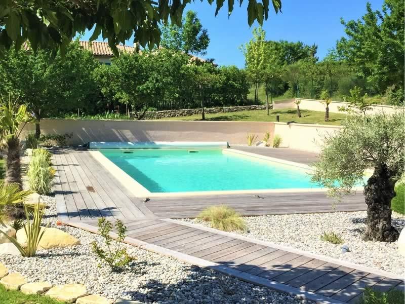 Actu-constructeur-de-piscine-en-beton-restauration-piscine-beton-renovation-piscines-Les-Jardin-en-Cascades