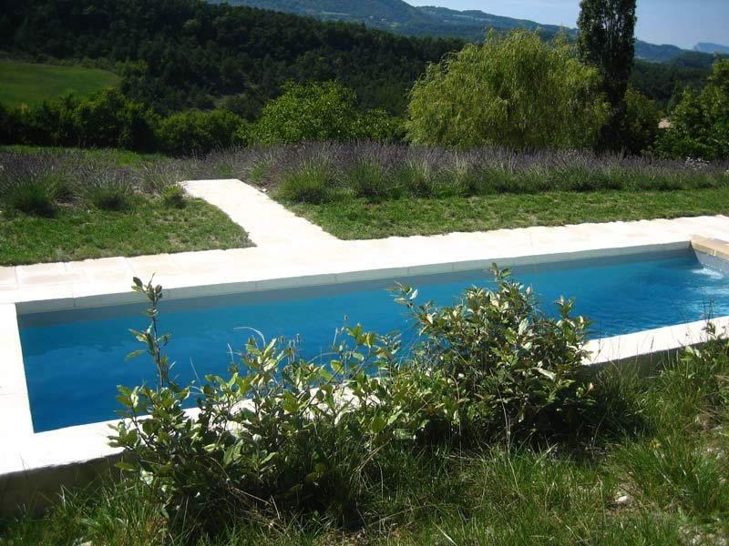 Page-activite-Piscines-Realisation-10-Les-Jardins-en-Cascades-constructeur-piscine-drome