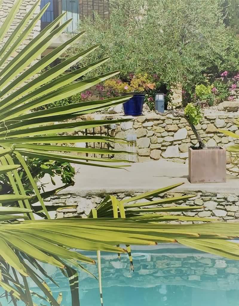 Page-entreprise-Bandeau-1-image-1-Les-Jardins-en-Cascades-paysagiste-pour-piscine-odette-massif